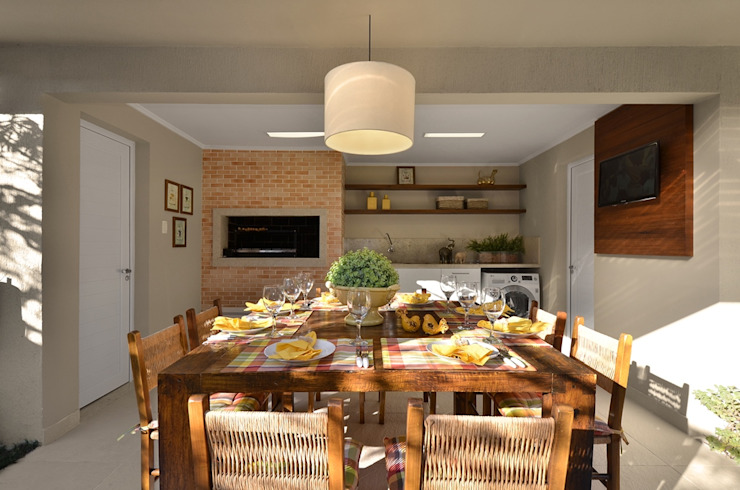 Stefani Arquitetura Dining roomChairs & benches Wood Wood effect