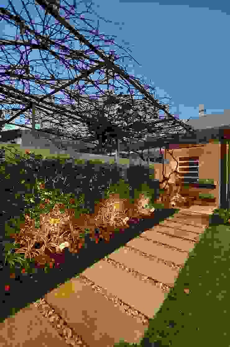 Stefani Arquitetura JardínIluminación Piedra Ámbar/Dorado