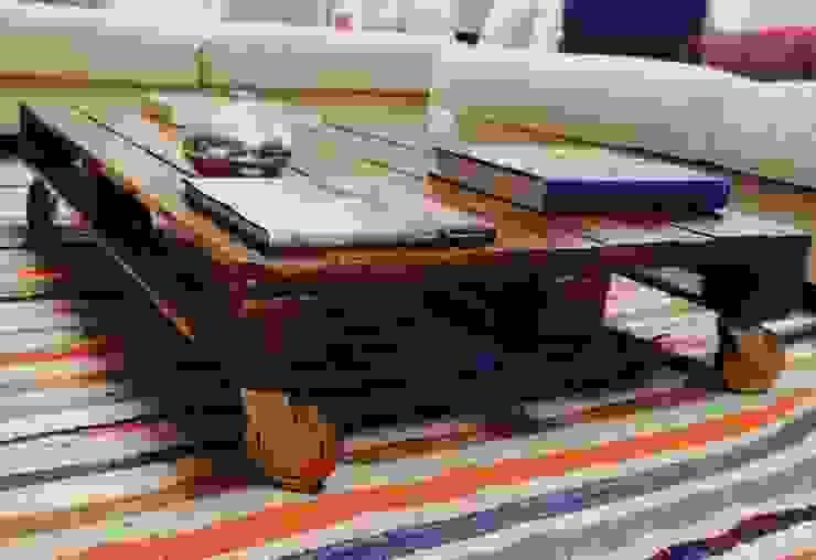 de estilo industrial por MIVART, Industrial Madera Acabado en madera