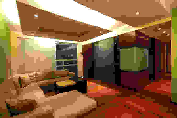 Departamento Viniegra Salones modernos de DIN Interiorismo Moderno