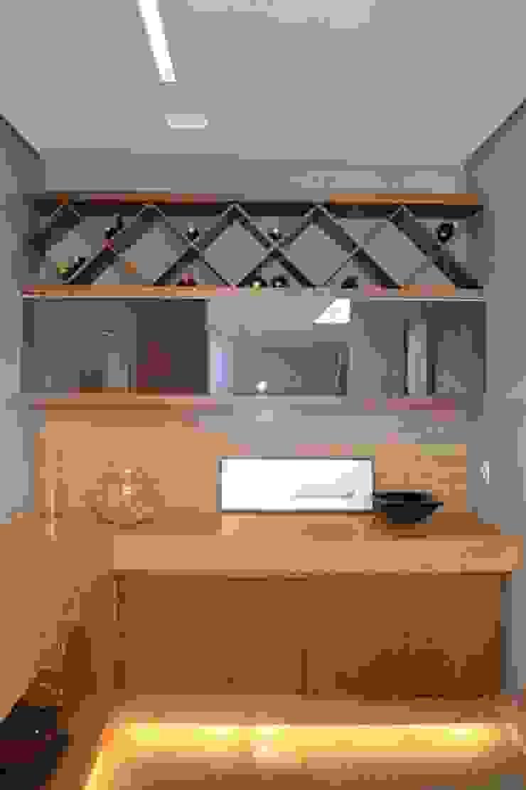 根據 Juliana Goulart Arquitetura e Design de Interiores 現代風