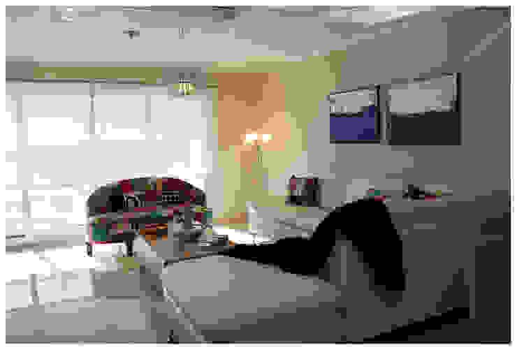 Living Miami Br. - Punta del Este Salones de estilo ecléctico de Diseñadora Lucia Casanova Ecléctico
