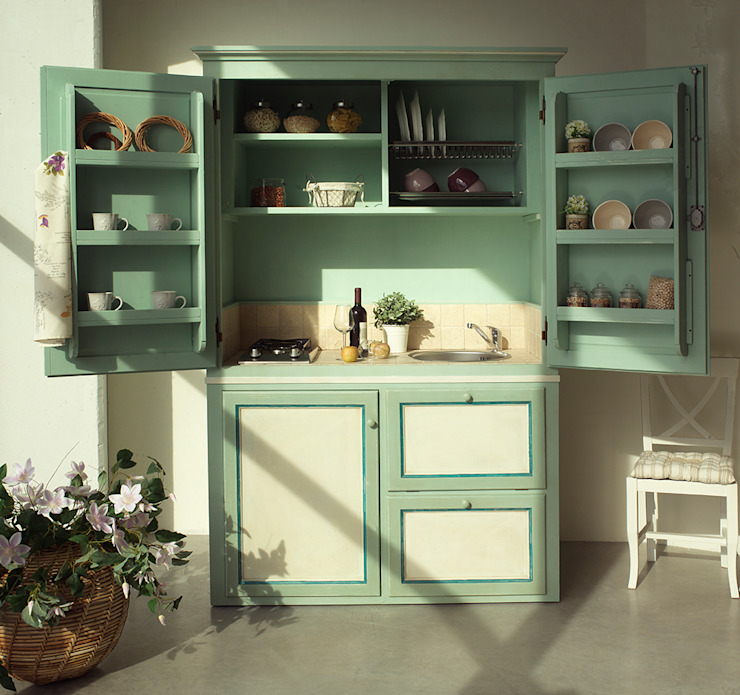 Kitchen by LA BOTTEGA DEL FALEGNAME, Mediterranean Solid Wood Multicolored