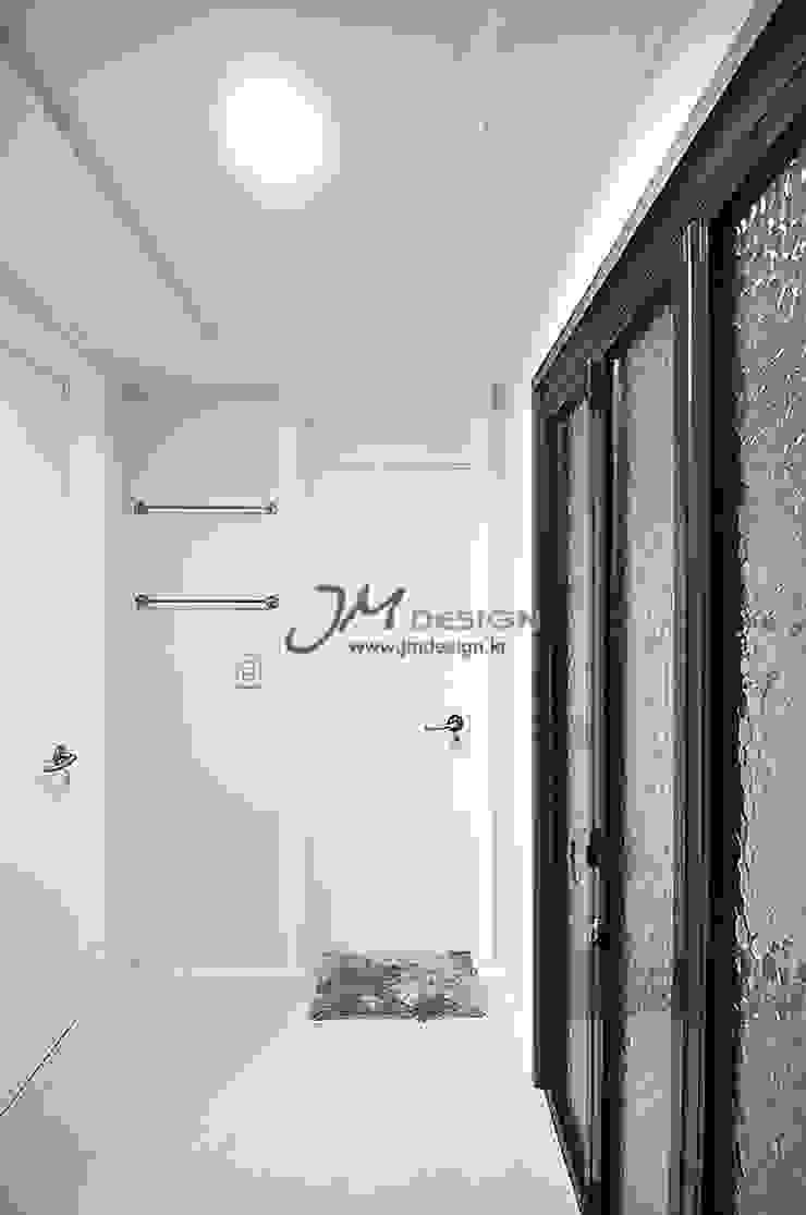 JMdesign Balcone, Veranda & Terrazza in stile moderno