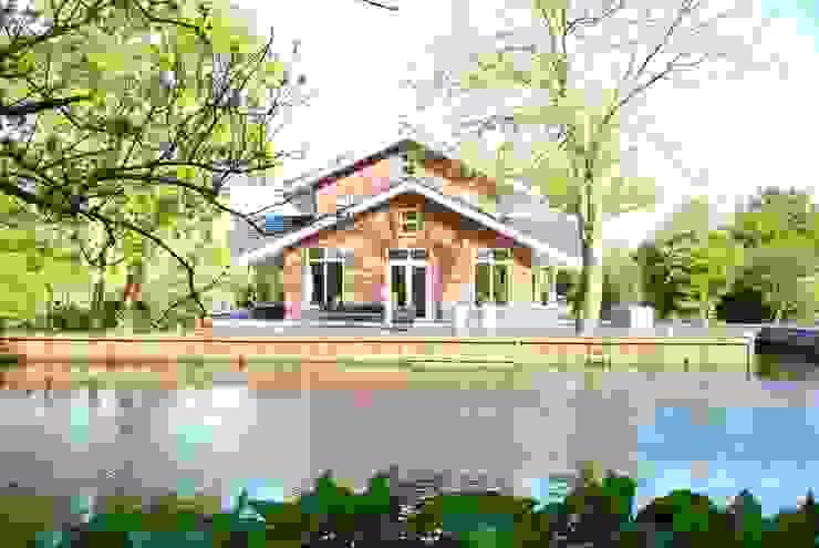 Vooraanzicht Zwettehof Moderne huizen van Kat Koree Architecten Modern Stenen