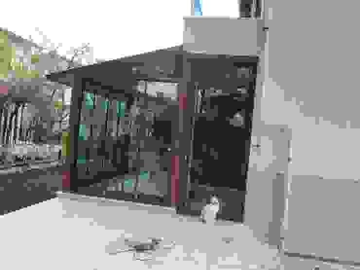 ayvalık altınova Modern Balkon, Veranda & Teras Bozkır yapı Modern Cam