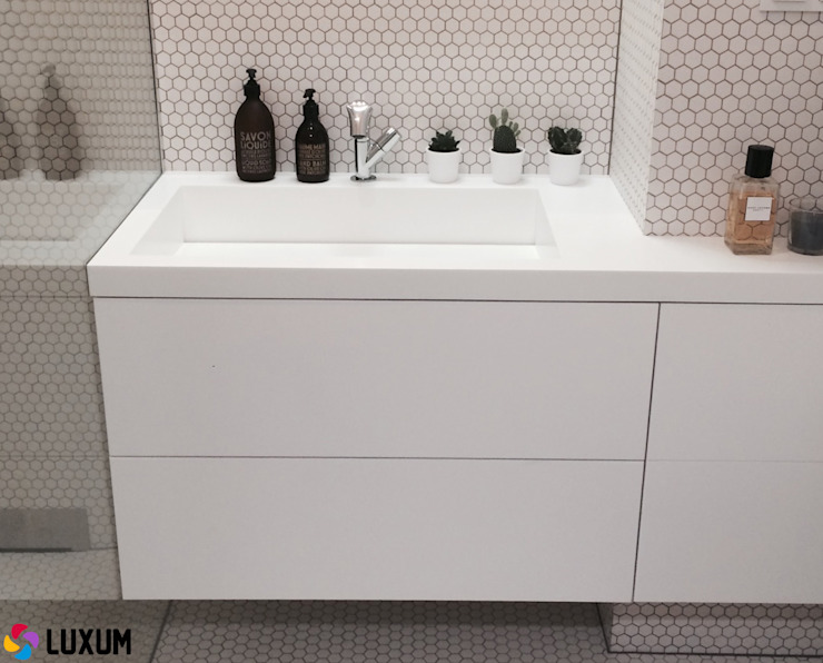 Luxum Minimalist style bathrooms