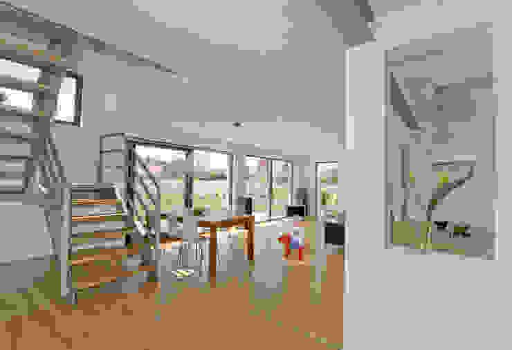 Diele Skandinavischer Flur, Diele & Treppenhaus von gondesen architekt Skandinavisch