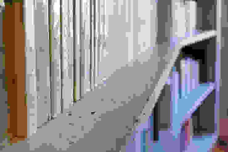 Concrete Flat ห้องโถงทางเดินและบันไดสมัยใหม่ โดย Concrete LCDA โมเดิร์น คอนกรีต