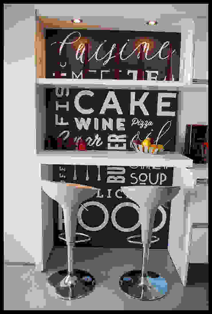 Desayunador con nombre propio Cocinas de estilo moderno de Diseñadora Lucia Casanova Moderno