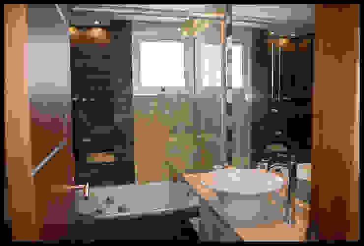 Baño Principal Baños de estilo moderno de Diseñadora Lucia Casanova Moderno