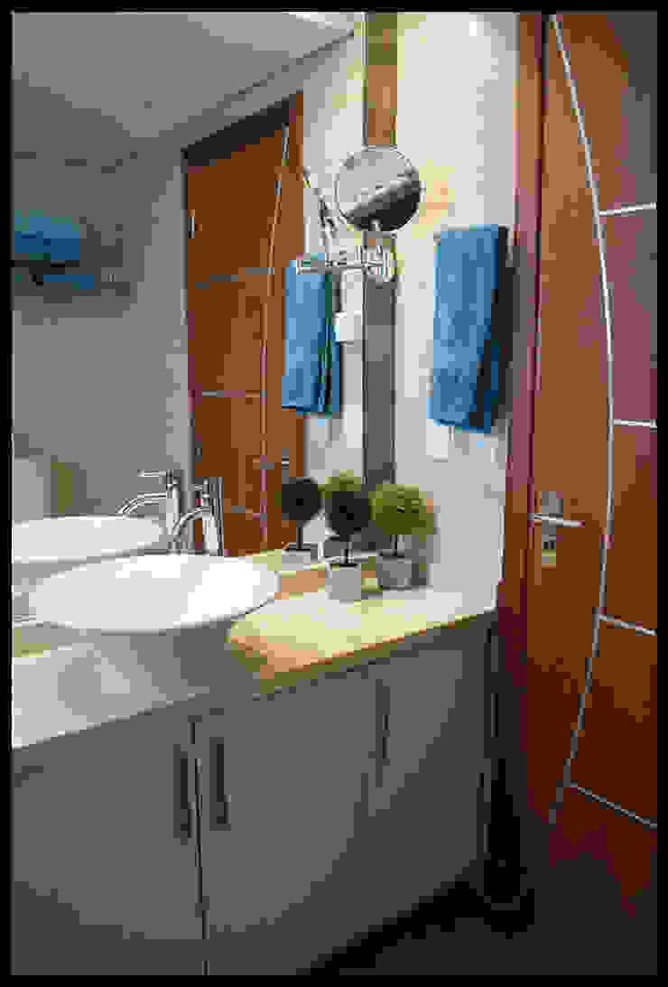 Baño principal Baños de estilo ecléctico de Diseñadora Lucia Casanova Ecléctico