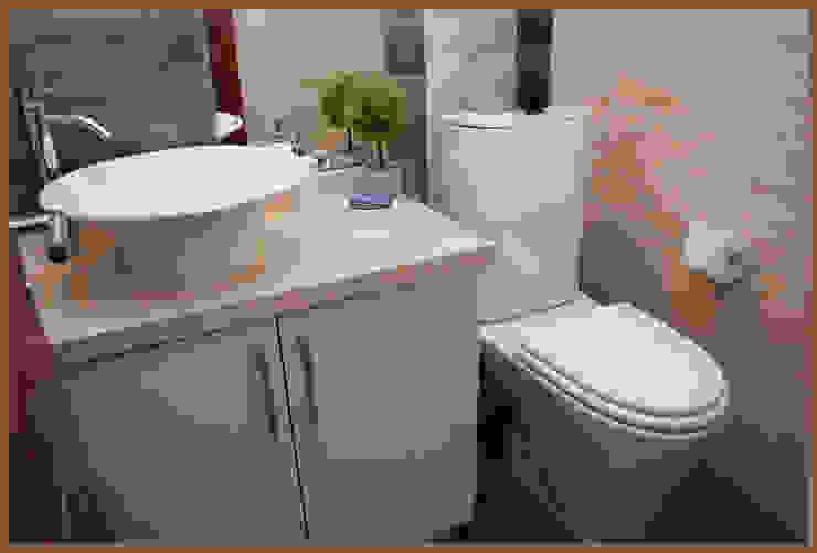 BAÑO SOCIAL: Baños de estilo  por Diseñadora Lucia Casanova,Moderno