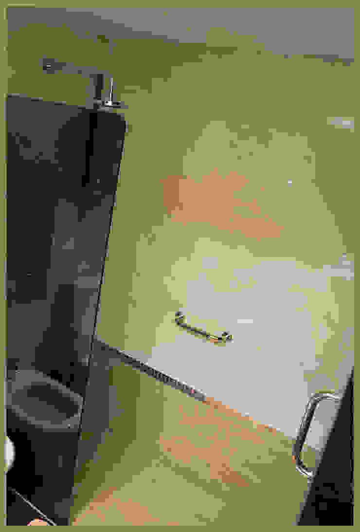 REFORMA del segundo baño Baños eclécticos de Diseñadora Lucia Casanova Ecléctico
