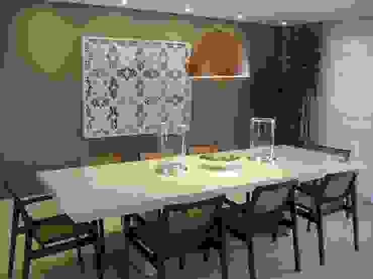 Apartamento residencial – The Gift Salas de jantar modernas por Benassi & Seppe Moderno