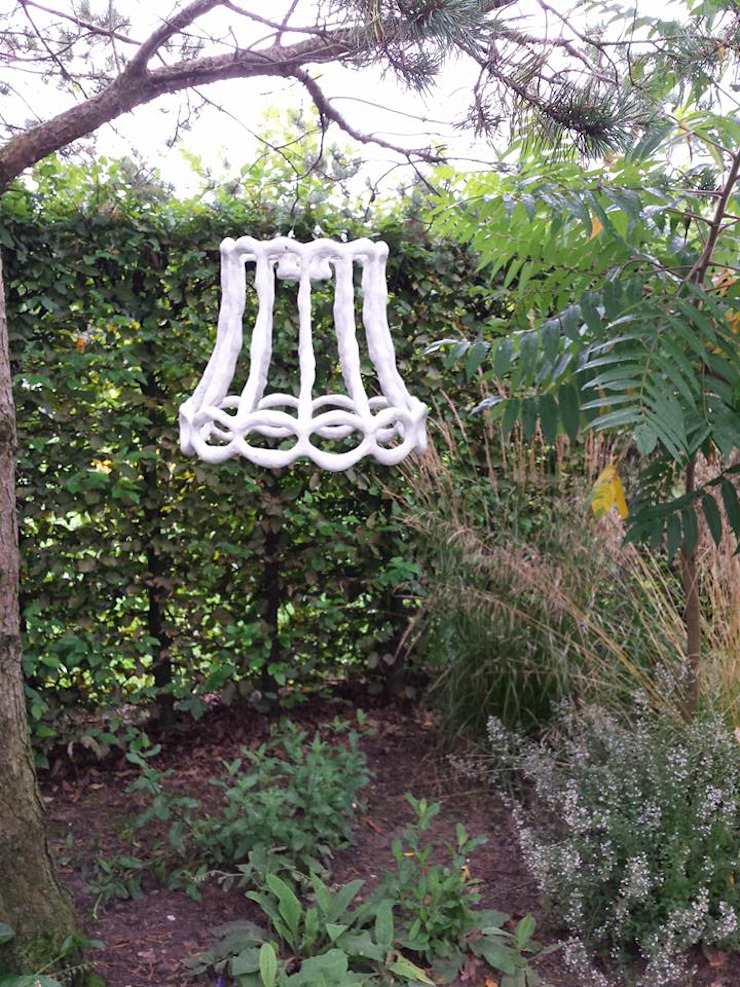 Carla Wilhelm Modern garden White