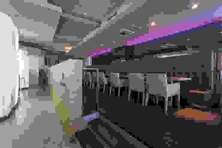 MUDEYBA S.L. Modern bars & clubs