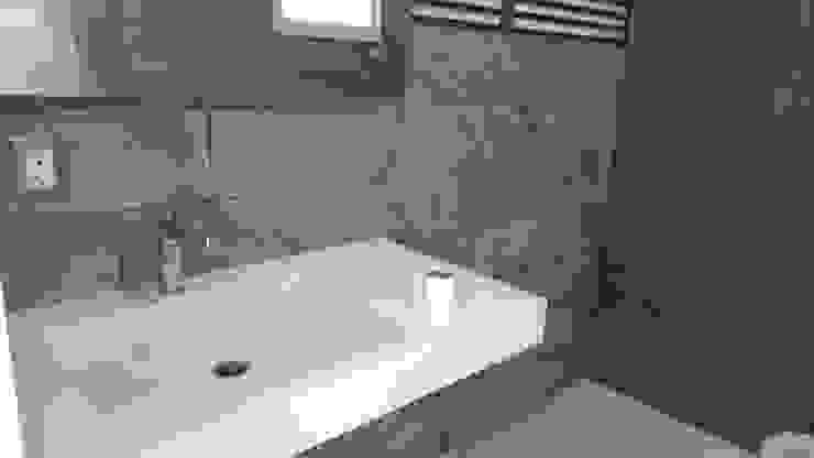 Cuarto de baño, vista lateral Baños modernos de Hogar y Cerámica S.A. de C.V. Moderno Cerámico