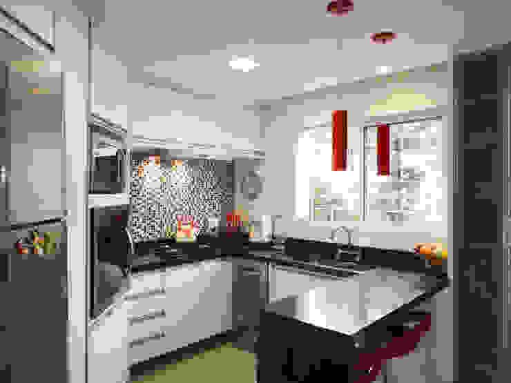 Luciana Ribeiro Arquitetura Modern kitchen