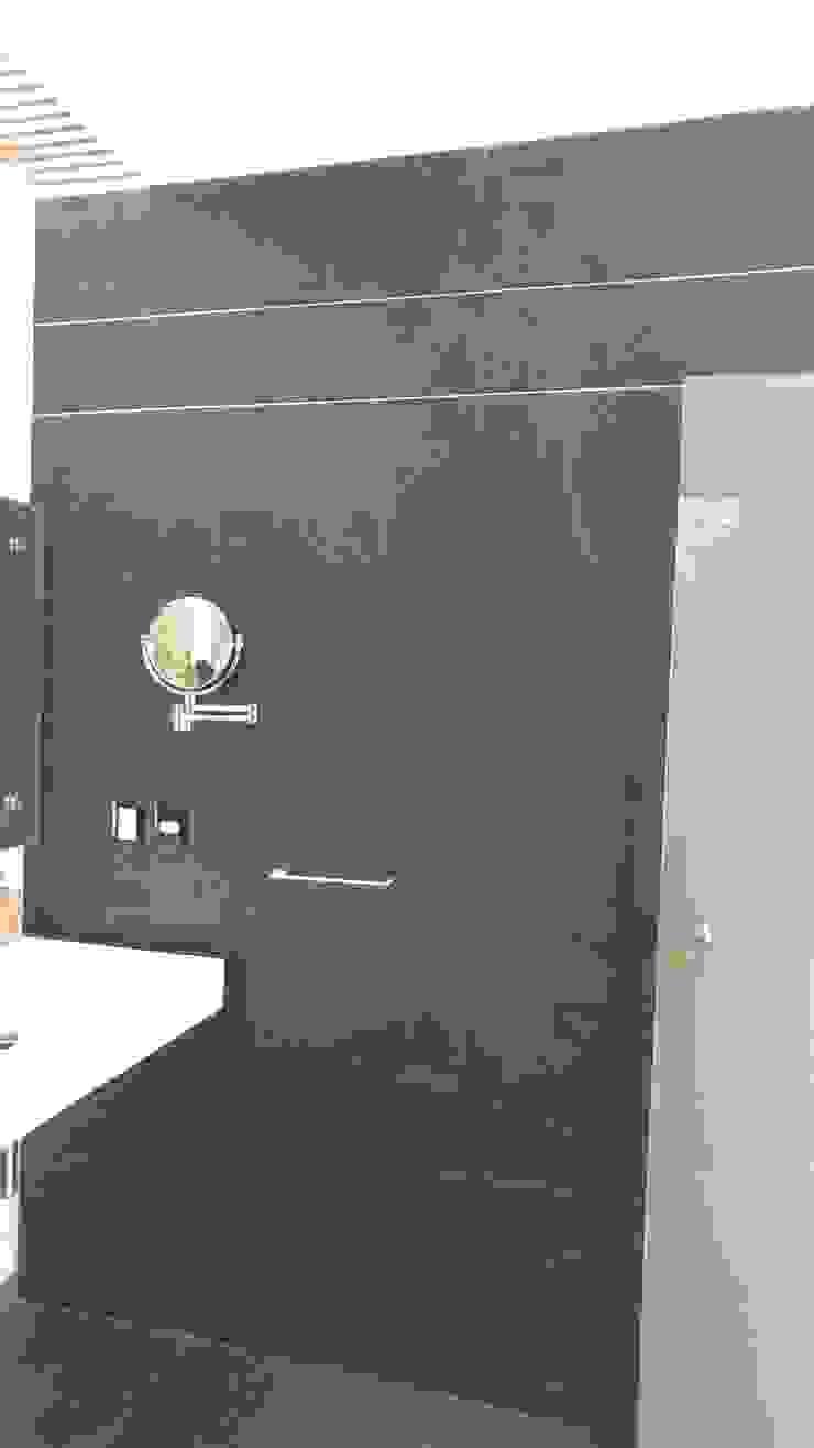 Baño principal vista lateral Baños modernos de Hogar y Cerámica S.A. de C.V. Moderno Cerámico