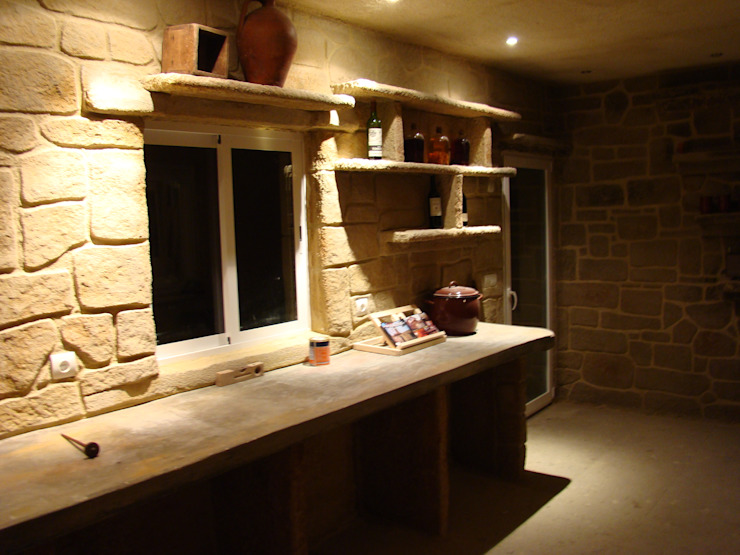 LuisyAnacb Rustic style wine cellar Limestone Beige