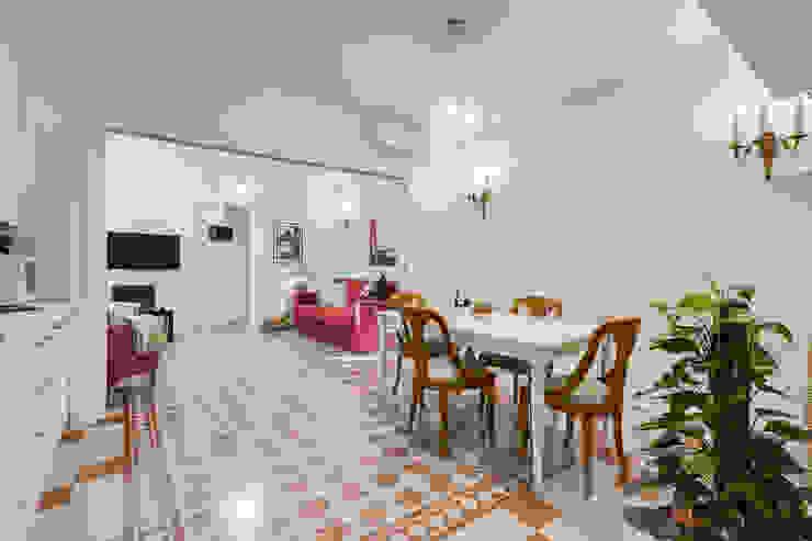Столовая комната в стиле модерн от Luca Tranquilli - Fotografo Модерн