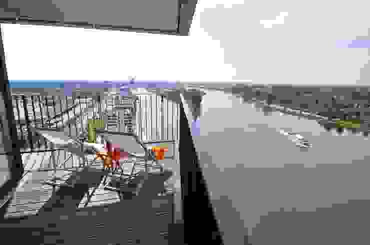 Karin Armbrust - Home Staging Modern balcony, veranda & terrace