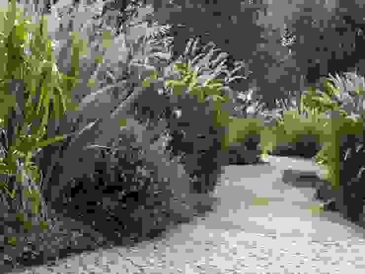 Atelier Jardins do Sul Eclectic style garden