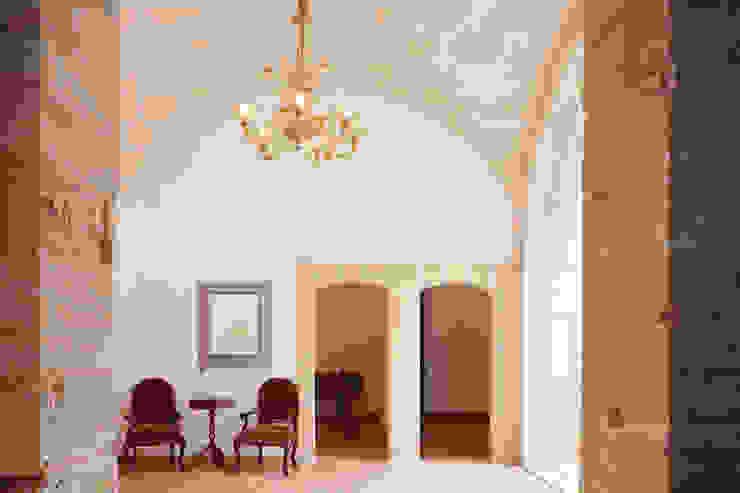 Paredes e pisos mediterrâneos por Studio Vetroblu_Stefano Ferrando Mediterrâneo