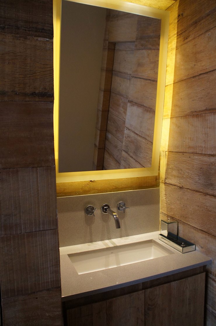 Industrial style bathrooms by Elisa Vasconcelos Arquitetura Interiores Industrial