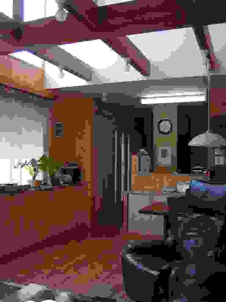 居間 オリジナルデザインの リビング の 竹内村上ATELIER オリジナル