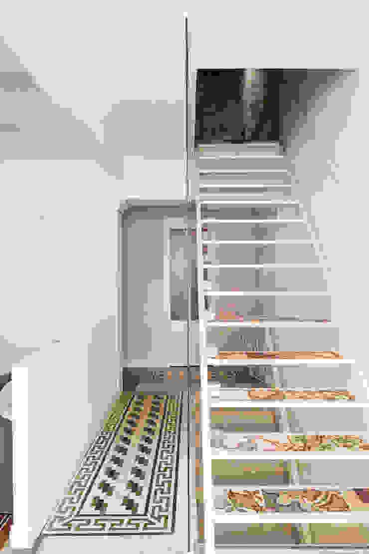 Mediterranean style corridor, hallway and stairs by Studio Vetroblu_Stefano Ferrando Mediterranean