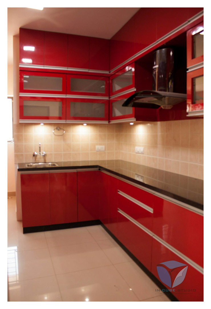 G-PROFILED KITCHEN Modern kitchen by IN-CUBE STUDIO Modern Plywood