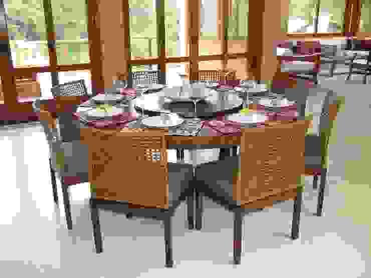 Rustic style dining room by Studio LK Arquitetura e Interiores Rustic