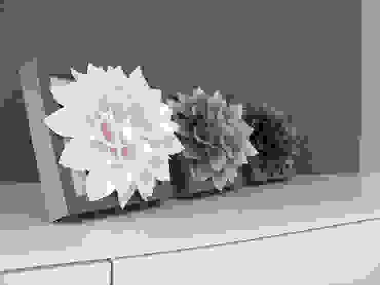 Triptyque de Fleurs Blanc Nacré, Grise Clair/Foncé Mushette MaisonAccessoires & décoration Papier Gris