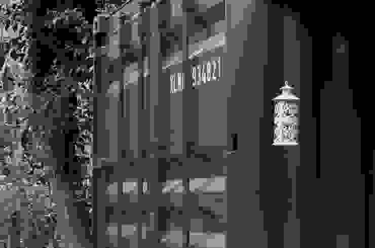 Industriale Häuser von Guadalupe Larrain arquitecta Industrial Eisen/Stahl