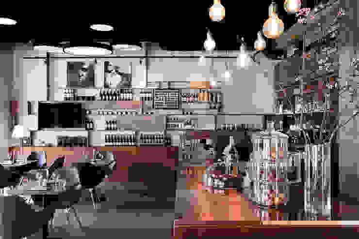 Restauracja OTWARTA od INTERURBAN Nowoczesny