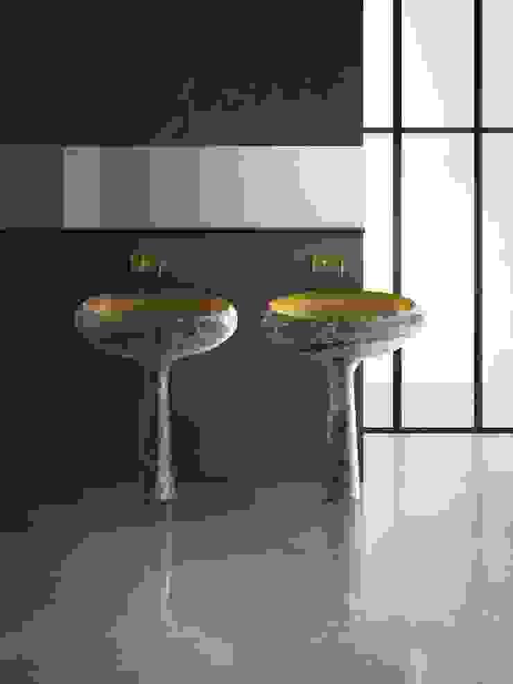 Gong, sumptuous purity 現代浴室設計點子、靈感&圖片 根據 Kreoo 現代風 大理石