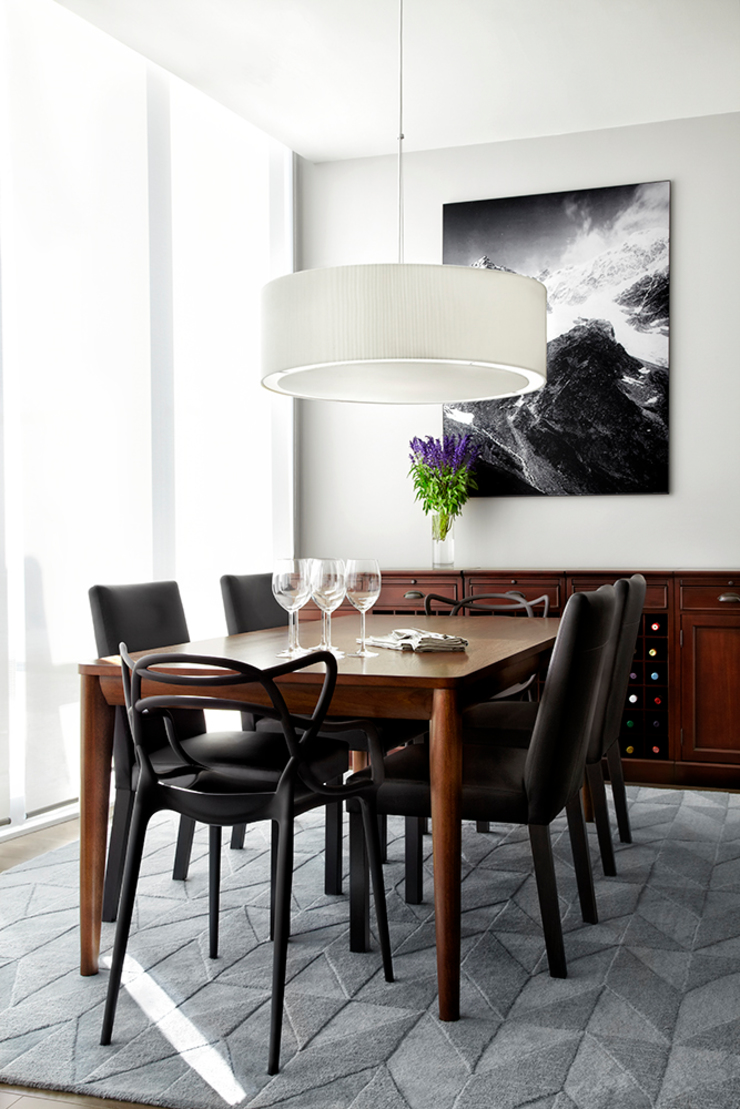 Modern dining room by ANNA DUVAL Modern
