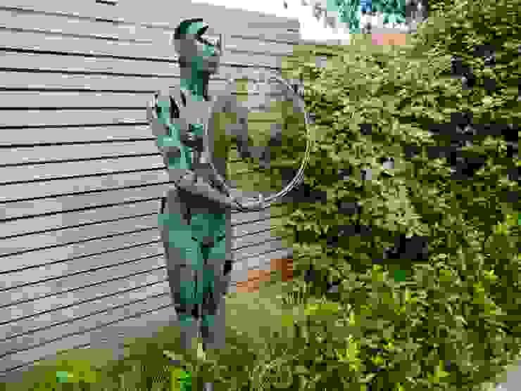 Coastal sculpture garden Сад в стиле модерн от homify Модерн