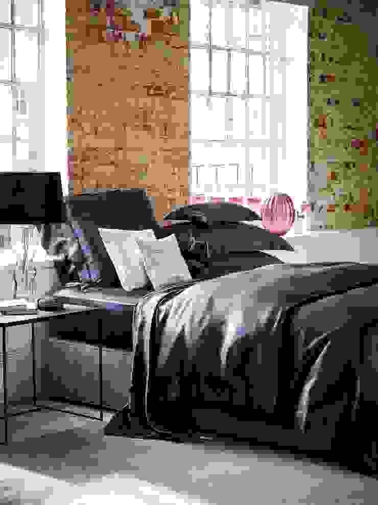Charcoal silk bed linen: modern  by Gingerlily, Modern Silk Yellow