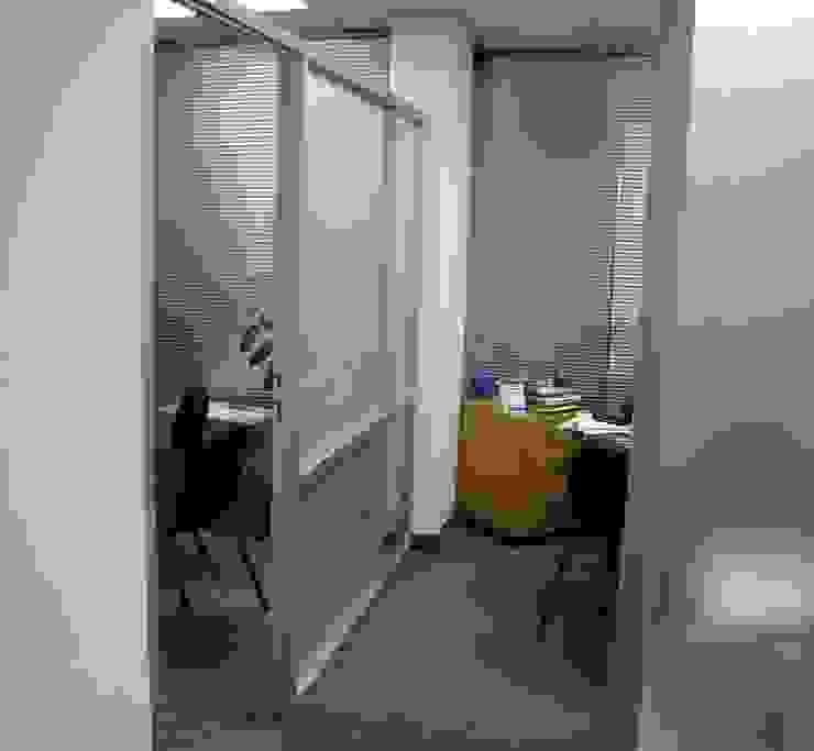 Soluciones Contables y Administrativas SAC / C.A. Forma y Espacio Arquitectos Constructores CA Oficinas y Tiendas Aluminio/Cinc