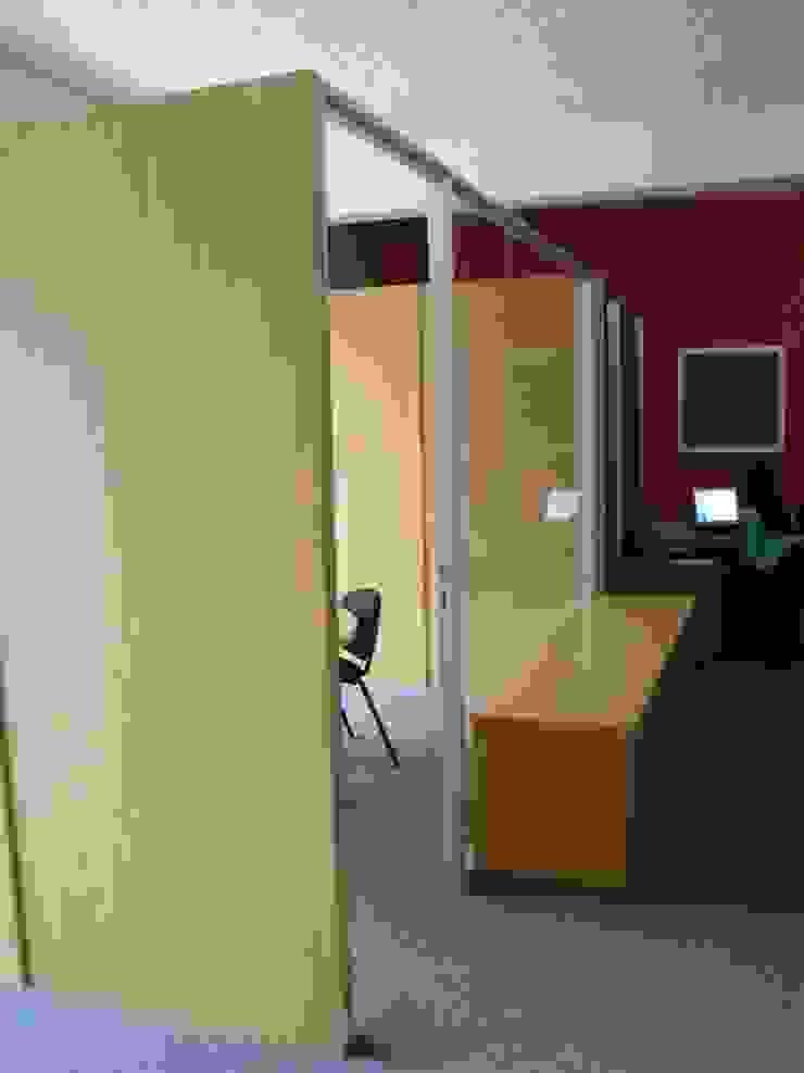 Soluciones Contables y Administrativas SAC / C.A. Forma y Espacio Arquitectos Constructores CA Oficinas y Tiendas Derivados de madera
