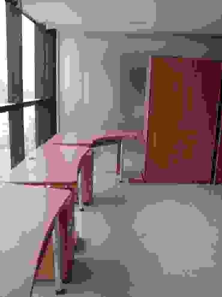 Oficina Constructora MIOLCA .C.A. Forma y Espacio Arquitectos Constructores CA Oficinas y Tiendas Derivados de madera