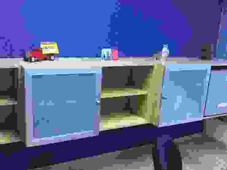 de Forma y Espacio Arquitectos Constructores CA Moderno Compuestos de madera y plástico