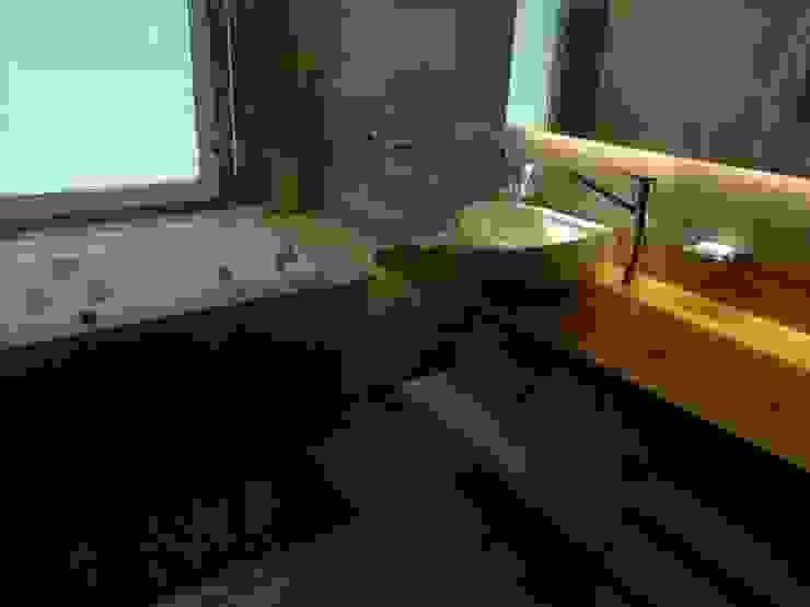 Bathroom by DB muebles de diseño, Classic