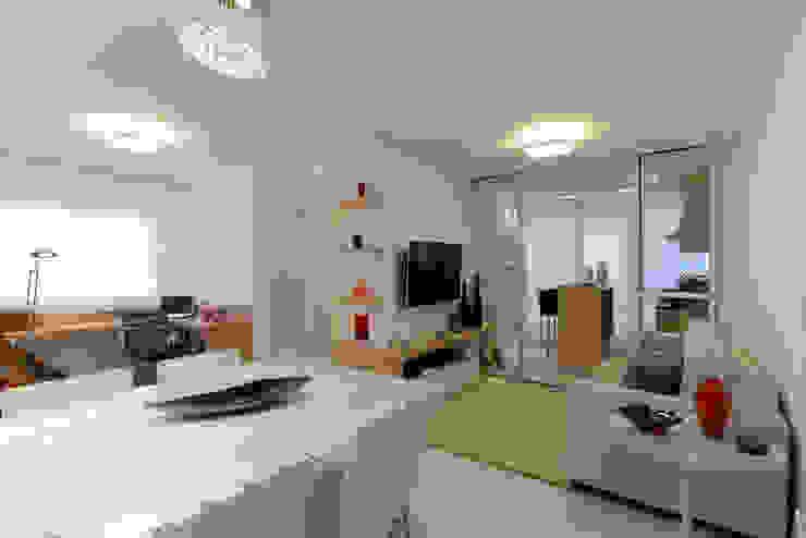 RAFAEL SARDINHA ARQUITETURA E INTERIORES Living room