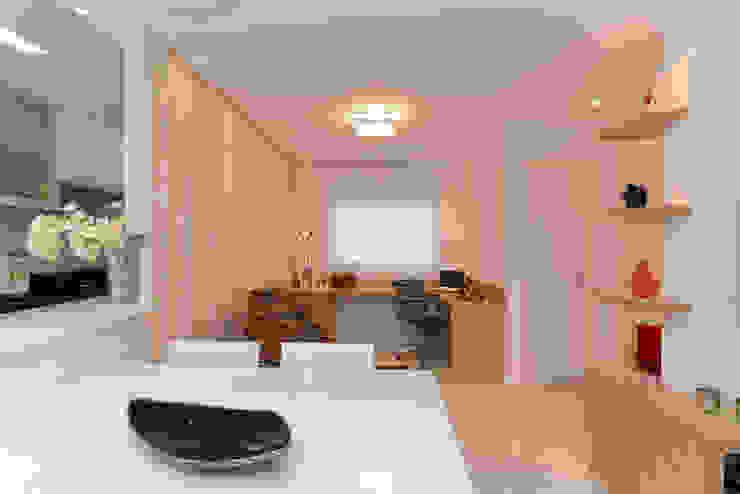 Projeto Bairro do Juventus - Mooca Salas de estar modernas por RAFAEL SARDINHA ARQUITETURA E INTERIORES Moderno