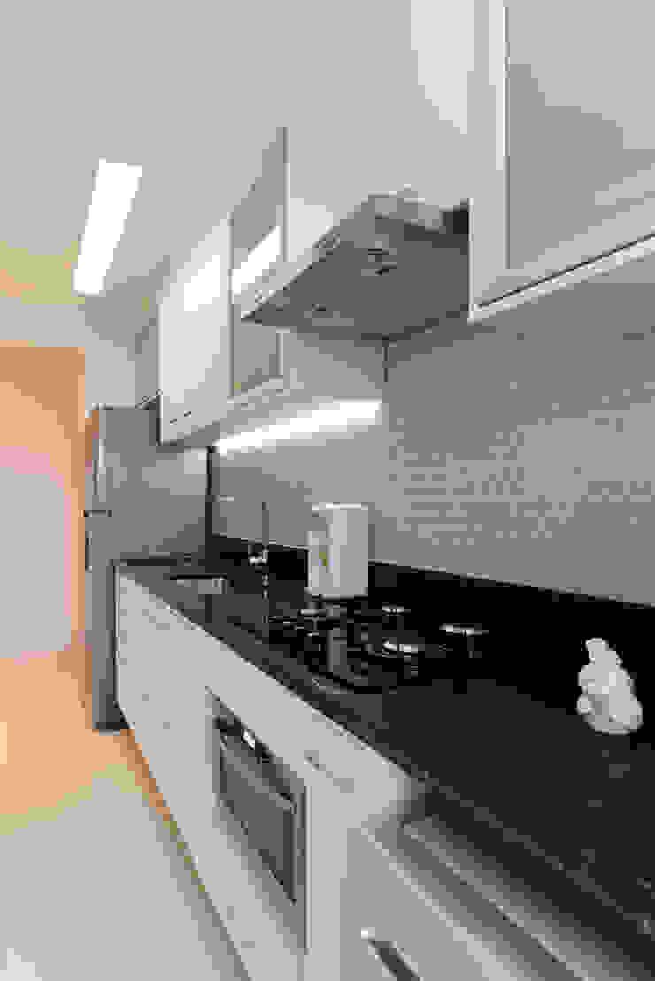 RAFAEL SARDINHA ARQUITETURA E INTERIORES Dapur Modern