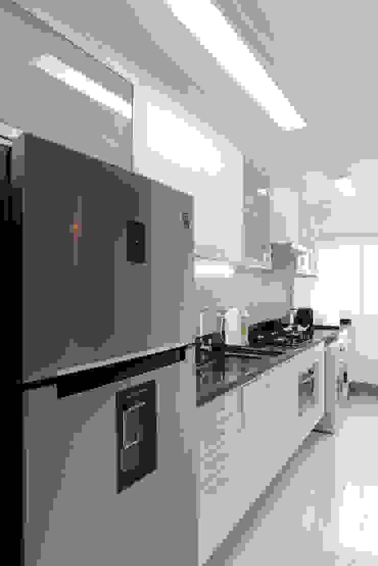 RAFAEL SARDINHA ARQUITETURA E INTERIORES Modern style kitchen